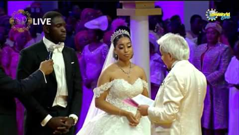 Some LIVE photos  from Sharon Oyakhilome and Phillip Frimpong's white wedding.